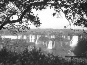 ARQUIVO / 15/08/1970 / METROPOLE / SANTOS DUMOND / CACHOEIRA DO IGUAÇÚ - Foz do Iguaçu - vista do Hotel das Cataratas. FOTO ARQUIVO/ESTADAO